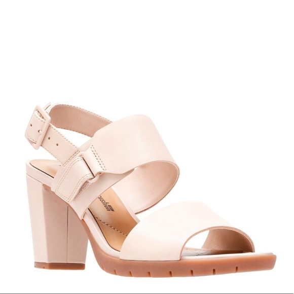 5dd91b418a26 Clarks Kurtley Shine Heeled Sandals